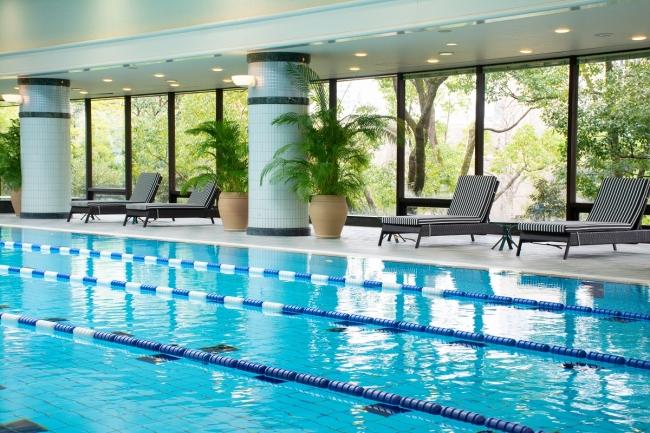 都内ホテルでも随一のハイグレードな施設を構える「リーガヘルスクラブ早稲田」のプール