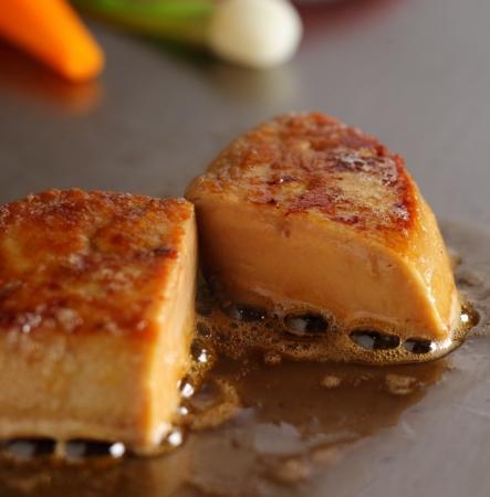 日本料理なにわ 鉄板焼「黒毛和牛とフォワグラのランチ~あまおうの香り~」
