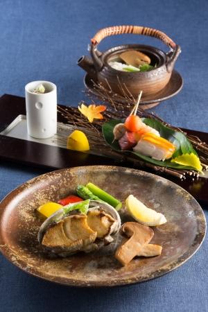 ディナー「松茸とアワビを愉しむ会席」