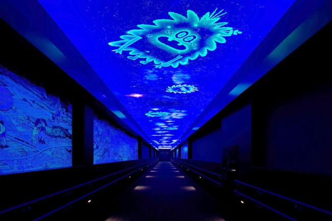ブラックライトによる天井画演出