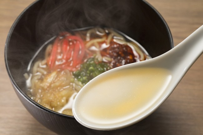 マグロ出汁を使用したオリジナル塩ラーメン 麺は硬めと柔らかめの注文が出来ます