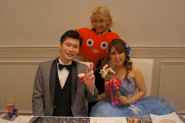 "RYUCHELL(りゅうちぇる)が結婚式でラブソング披露!""逆サプライズ""を ..."