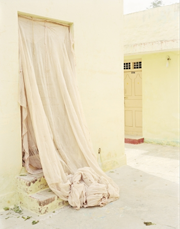Secret Door, Avani, India, 2016 (C)Vasantha Yogananthan