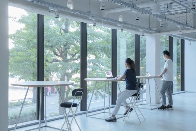 具体的な商談も可能なコミュニティスペース(2階)