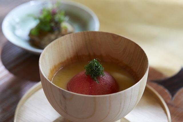 発酵をテーマにした食べる味噌スープの一品「丸ごとトマト汁」