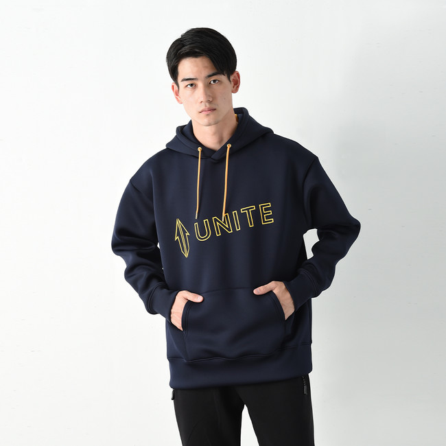 【UNITE】Diagonal Logo Hoodie ¥15,180(税込み)