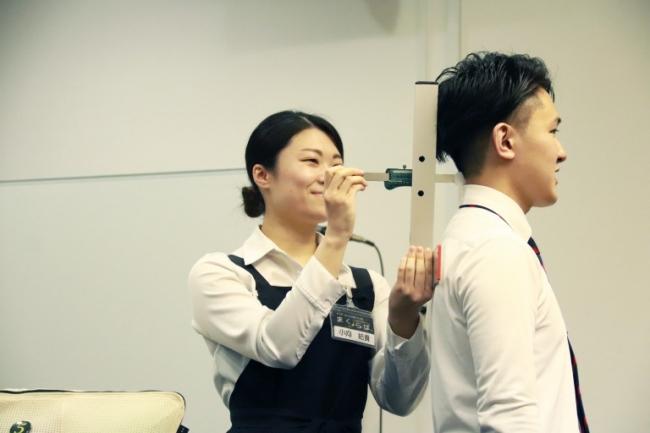 まくらぼでは後頭部・頸椎・両肩幅の3箇所を測定