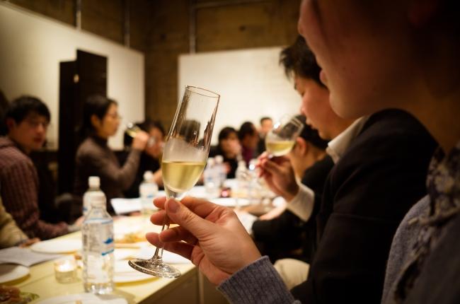 味わいの幅広さや気軽でオシャレな飲み物としてシードルは男性のみならず女性への人気も高まっている