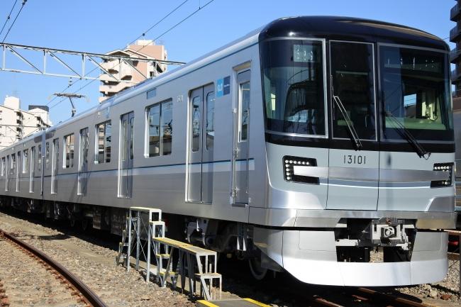 日比谷線13000系車両