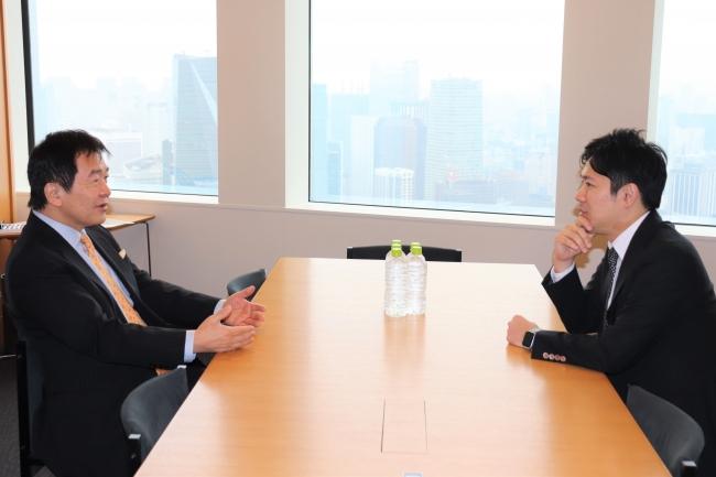 左:竹中平蔵さん  右:代表取締役 窪田光洋