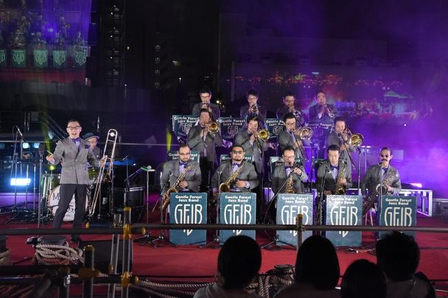 Gentle Forest Jazz Bandはオリジナルスイングで観客を魅了。