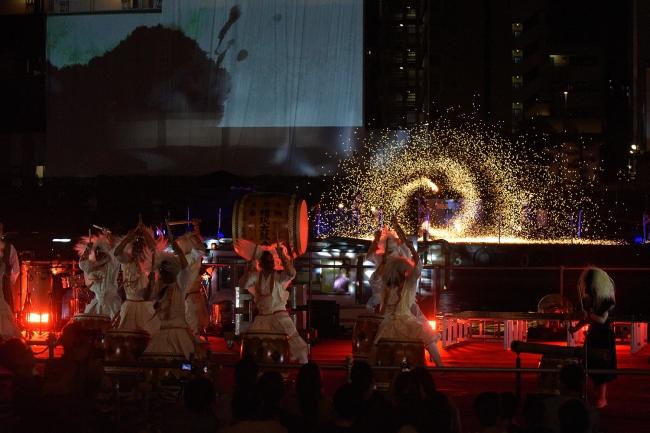 大井権現太鼓とKAGUZUCHIの迫力あるコラボステージ。