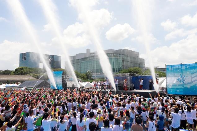 日本最大級の水かけ祭り!