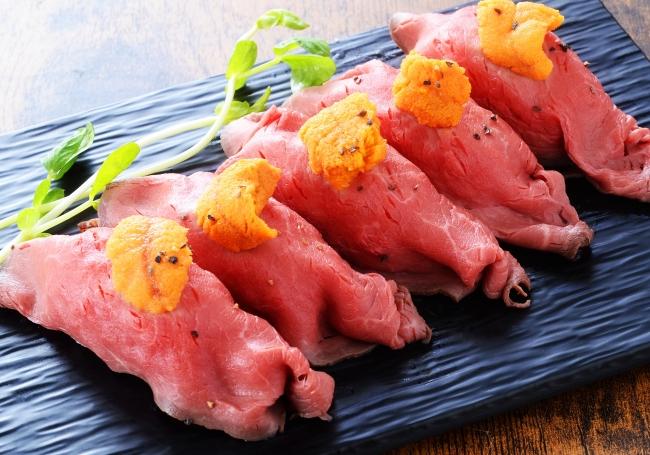 道産牛の雲丹のせサーロイン肉寿司(4貫1,600円)