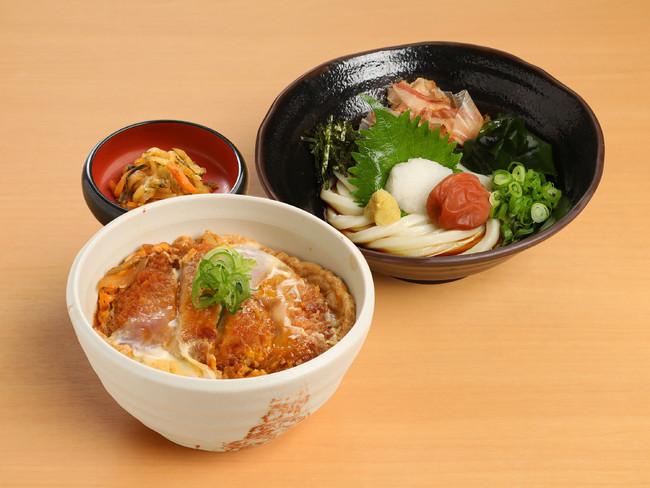 冷やし梅おろしの小うどんとかつ丼の定食 1,000円 杵屋(専門店街アルパ3F)