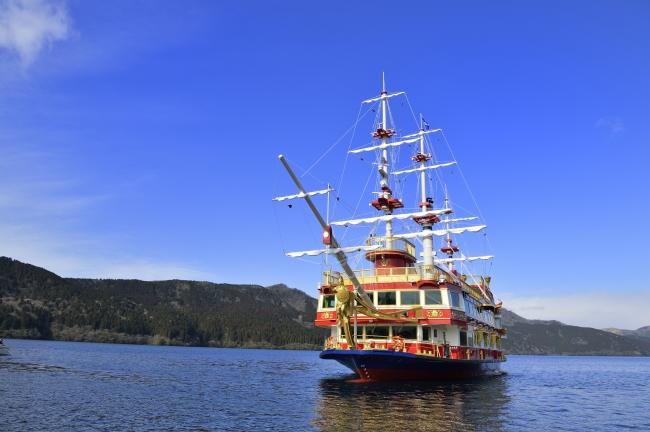 「桃源台港~箱根町港」は「箱根海賊船」乗船で標高733m ・芦ノ湖の涼風を体感