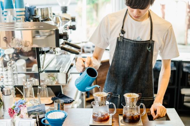 産地ごとの豆を揃え1杯ずつ丁寧に抽出。  果実味たっぷりの爽やかなコーヒーを揃えています。