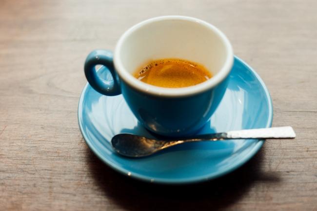 コーヒーの甘さと華やかさを濃縮したエスプレッソ。