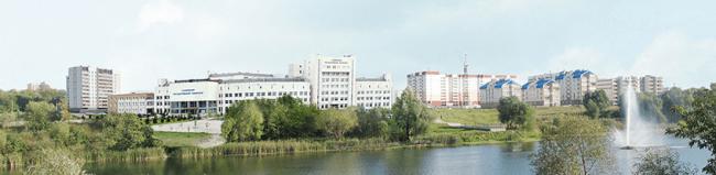 ウリヤノフスク国立大学本部棟の全景