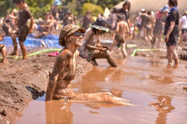 大人も子どもも泥まみれになって遊べます。