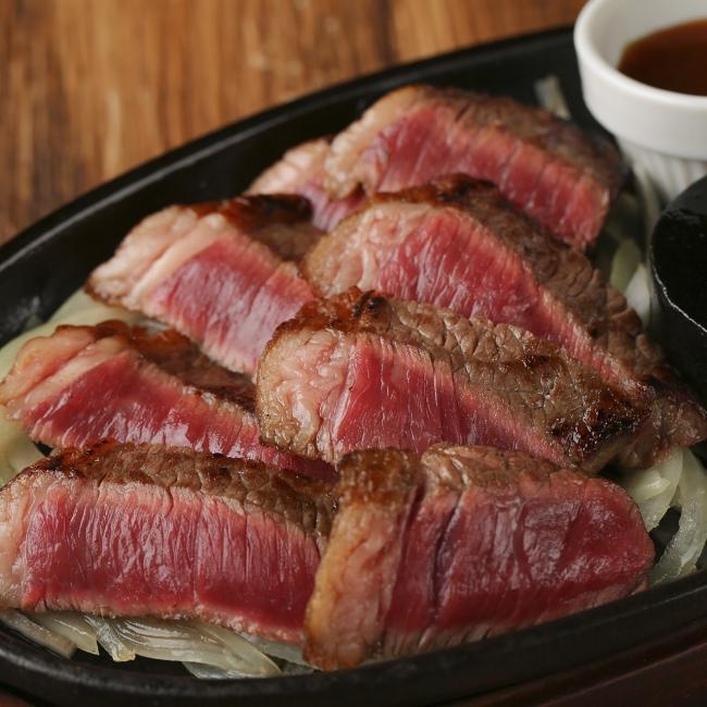 ~熟成肉鉄板ステーキ~熟成カルビ 160g 1,680円
