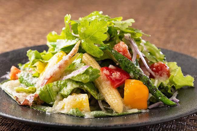14種野菜サラダ すりおろし玉葱ドレッシング (S)700円 (L)1300円