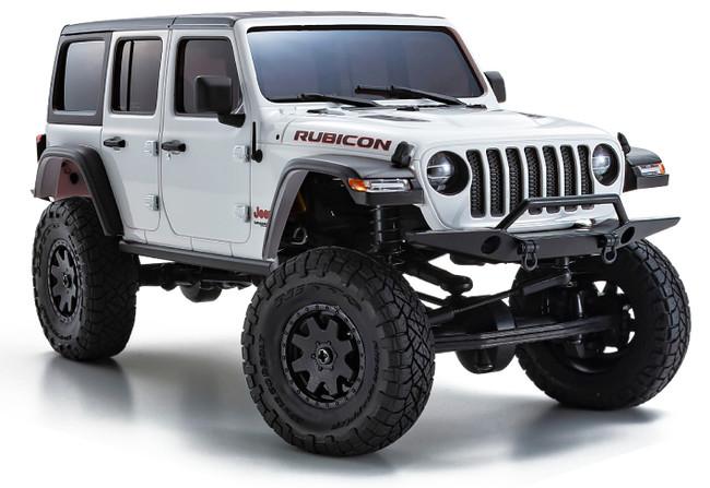 Jeep(R)️であることを物語る7つのフロントグリルは、その奥にあるネットまで再現されている。実車ヘッドライトレンズのカットデザインやウインカー、テールライトなどクリアーパーツで表現。オプションLEDパーツを組込み、実車のようなリアル感を楽しんでください。