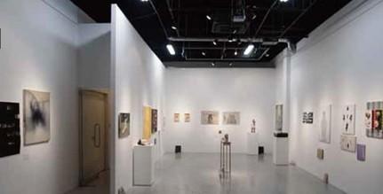 第6回東京アンデパンダン展の展示風景