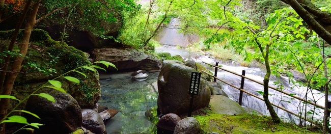 【2位:天ヶ瀬温泉 山荘 天水】露天風呂