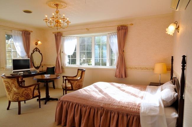 3位 静岡県「伊豆高原 海の見えるプチホテル サン・トロぺ」の客室(一例)