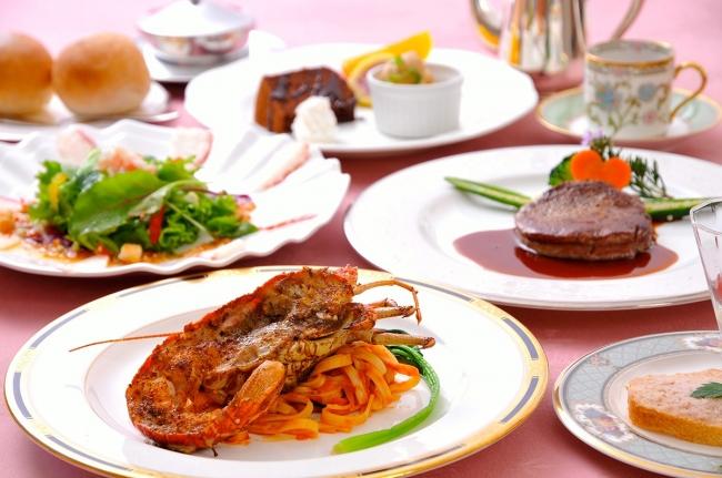 3位 静岡県「伊豆高原 海の見えるプチホテル サン・トロぺ」の夕食メニュー(一例)