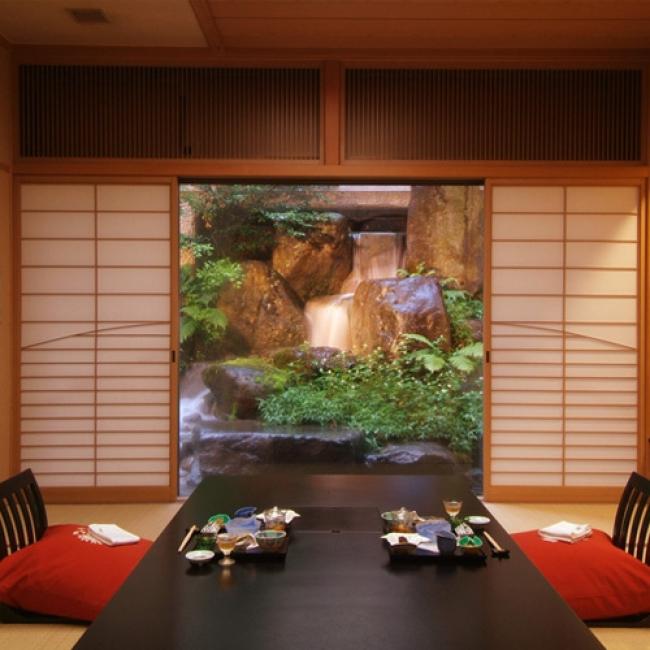 【2位:かみのやま温泉 日本の宿 古窯】お部屋での食事風景