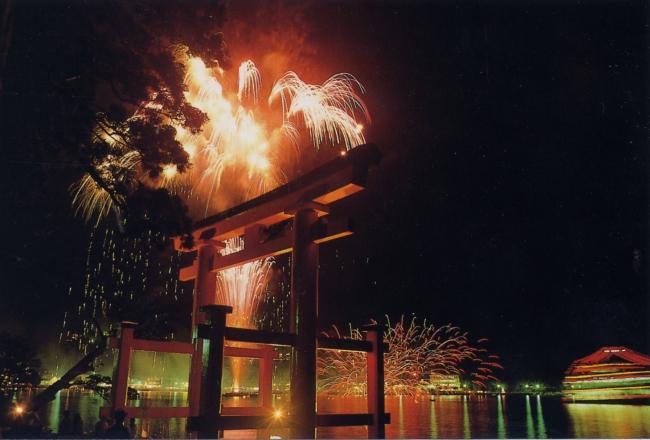 湖水祭と花火大会