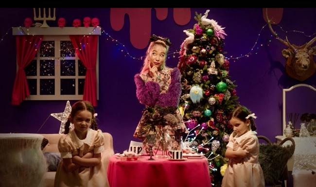 青山テルマさん主演 fun fun christmas mv 11月1日 木 より公開