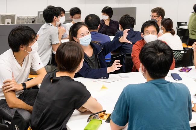 外国人患者役の留学生とのロールプレイ
