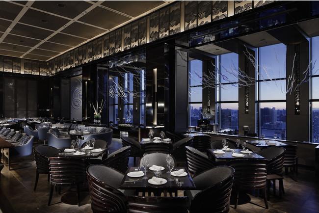 DINING & BAR TABLE 9 TOKYO 内観
