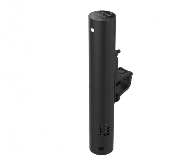 1月に一般販売を開始したプロ仕様低温調理器「BONIQ Pro」定価29800円(税別)