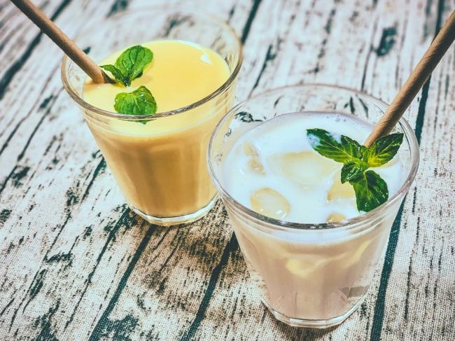 低温調理で作る飲むヨーグルトは濃厚でクリーミー、写真はそのヨーグルトで作ったラッシー