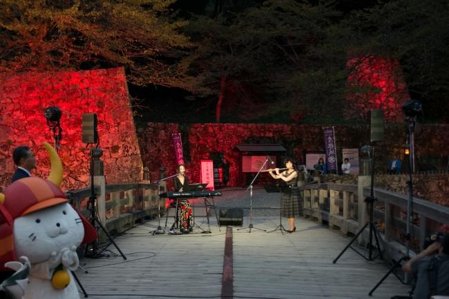 彦根城表門橋で実施された点灯式