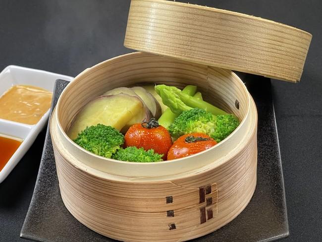 ▲季節の野菜のせいろ蒸し 特製ソース