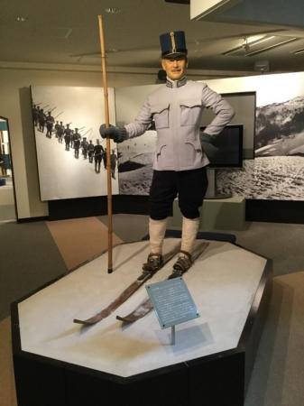 日本にスキーを伝えたレルヒ少佐