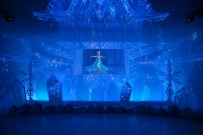 「アナと雪の女王」特別映像シアター