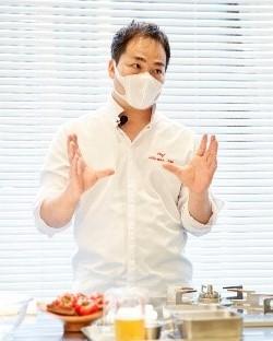 石井 真介氏