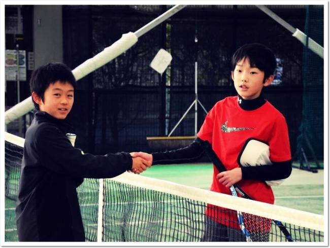 ITCジュニアクラブの新春企画「冬休み 合同テニス大会」