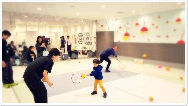 子供から大人、シニアまで楽しく体を動かせる、新しいライトなスポーツ!「ES(イージー)テニス」が錦糸町PARCOに登場!!