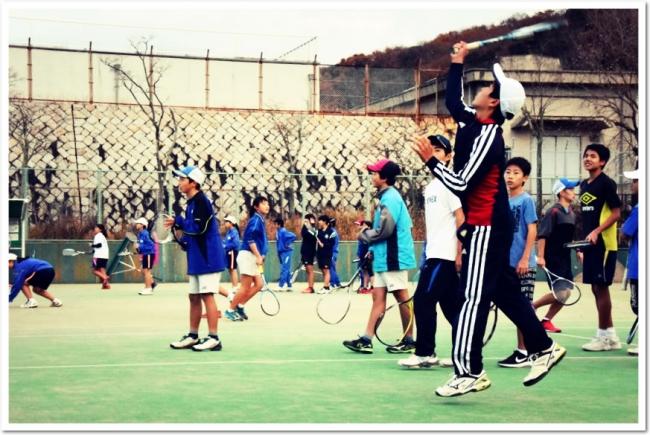ITCテニススクールはソフトテニスのカリキュラム充実に取り組んでいます。