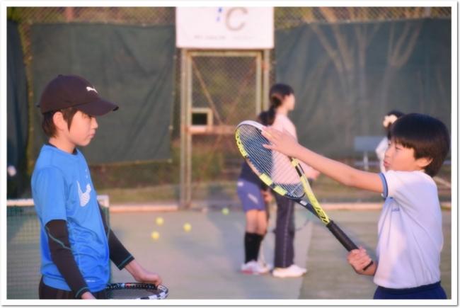 遊び、運動、スポーツ、競技を通じて、自立した大人へと向かう子どもたち。