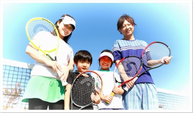 ファミリースポーツを応援するITCテニススクール「夏休みなかよし親子テニス無料体験会」開催