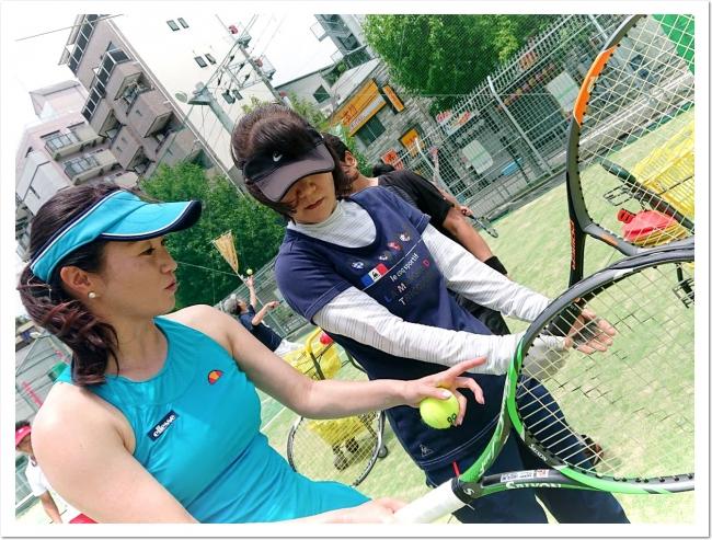 プロテニスプレーヤー久見香奈恵があなたのクラスに電撃参加する話題企画。スクールジャック。