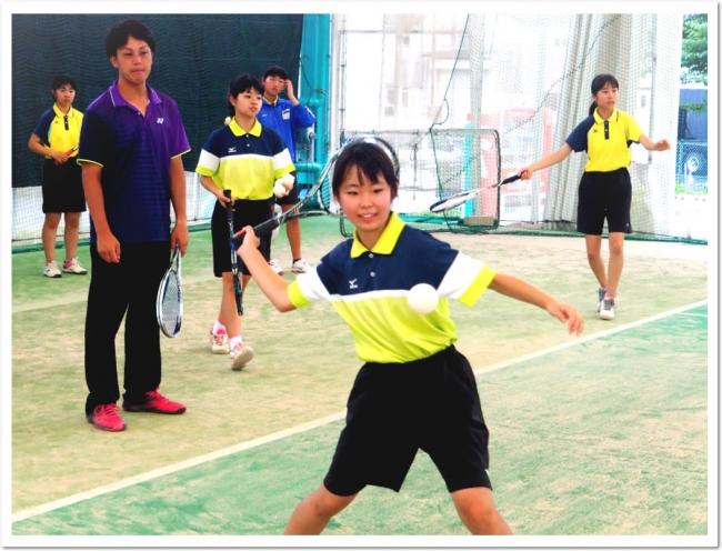 「健全な心と身体の育成」ITCテニススクールのジュニアプログラム